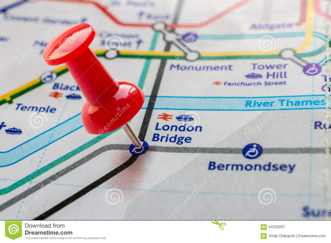 Map London Bridge.Thumbtack On London Bridge Station In London Underground Map Stock