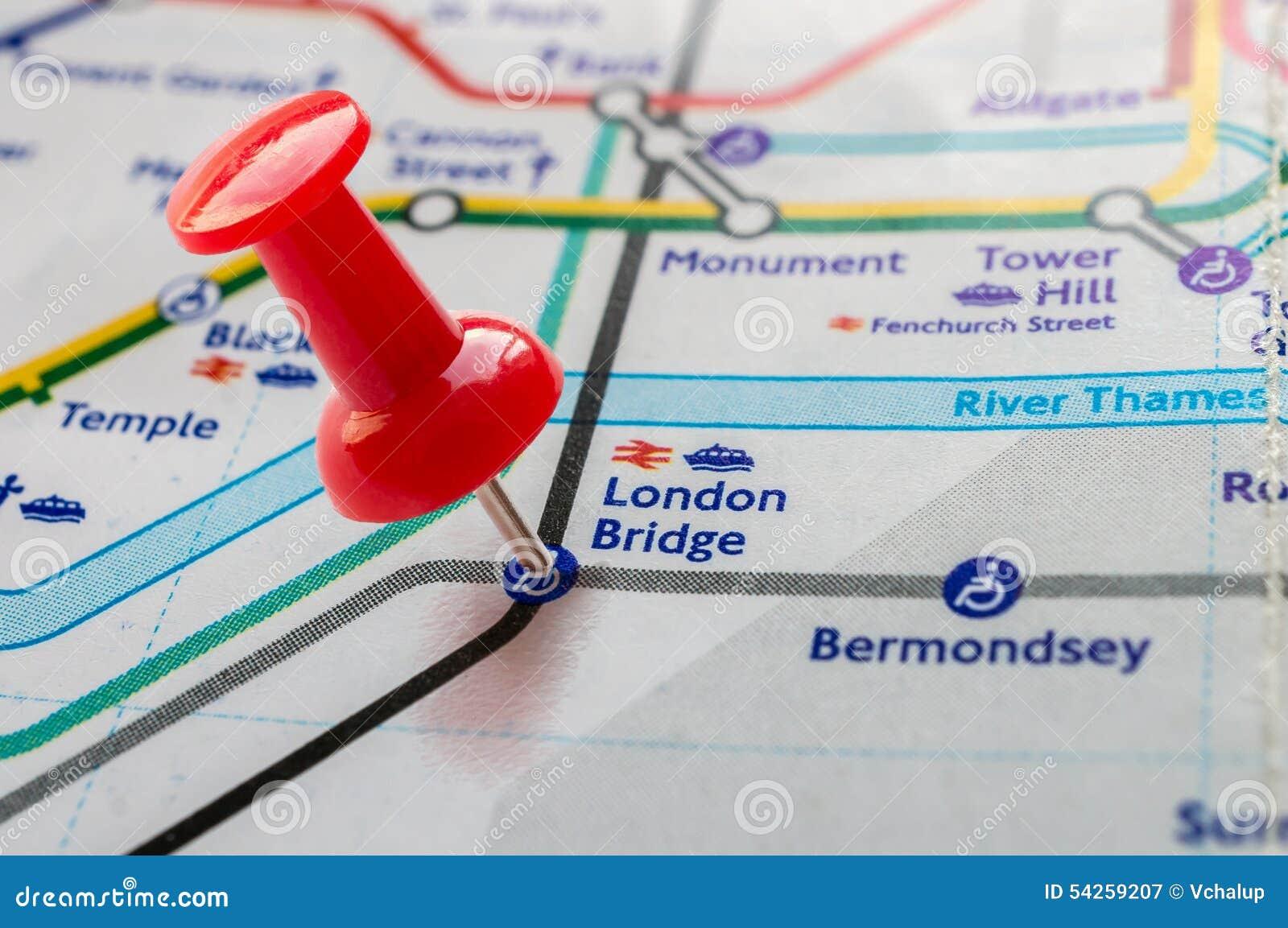 London Bridge Map.Thumbtack On London Bridge Station In London Underground Map Stock
