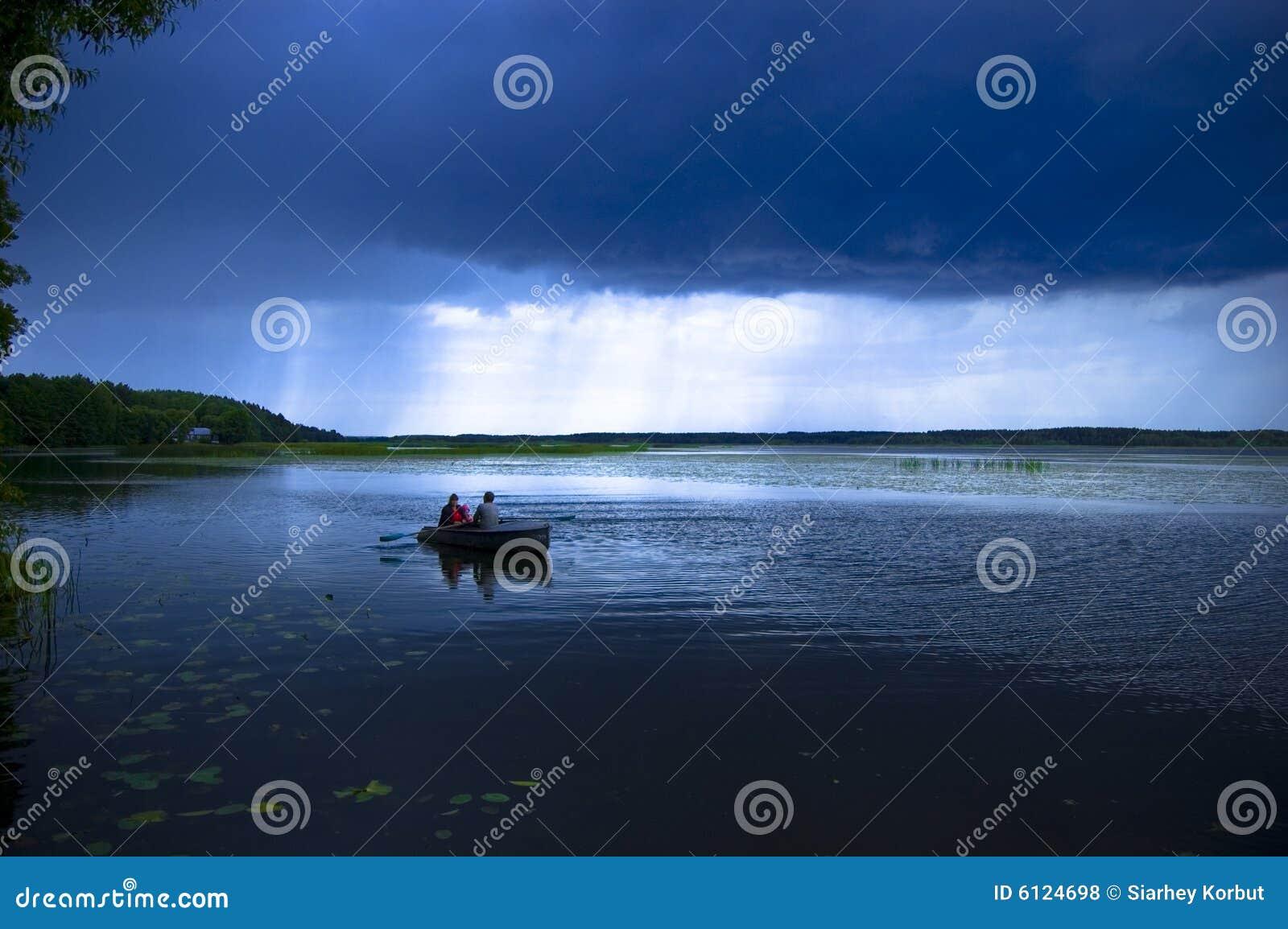Thunderstorm λιμνών