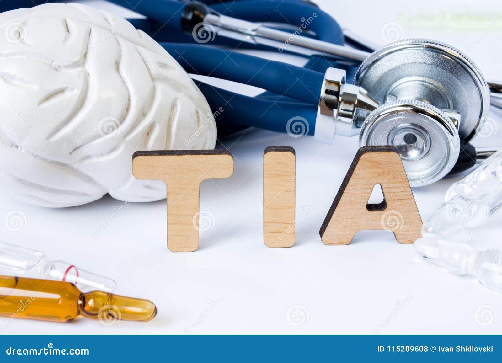 TIA Acronym ou abreviatura ao conceito ou ao diagnóstico médico do ataque isquêmico transiente ou do curso pequeno do cérebro Sup