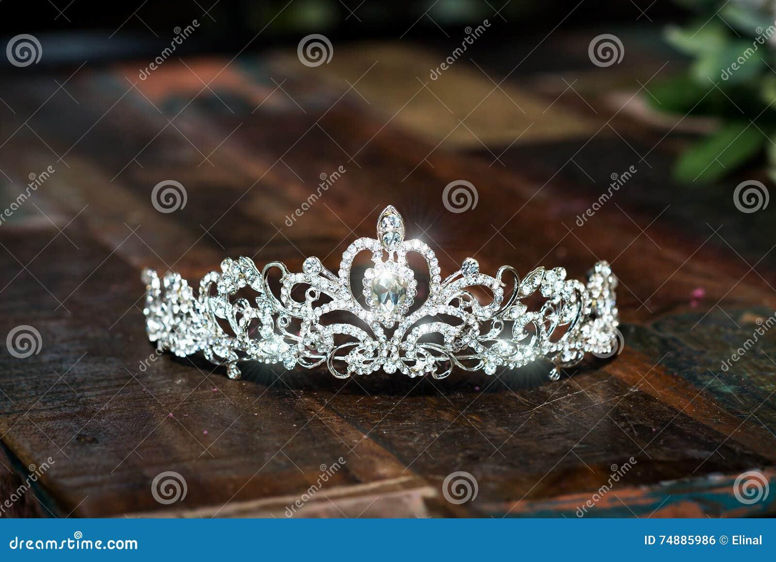 Tiara, coroa do casamento do diadema Acessórios preciosos luxuosos
