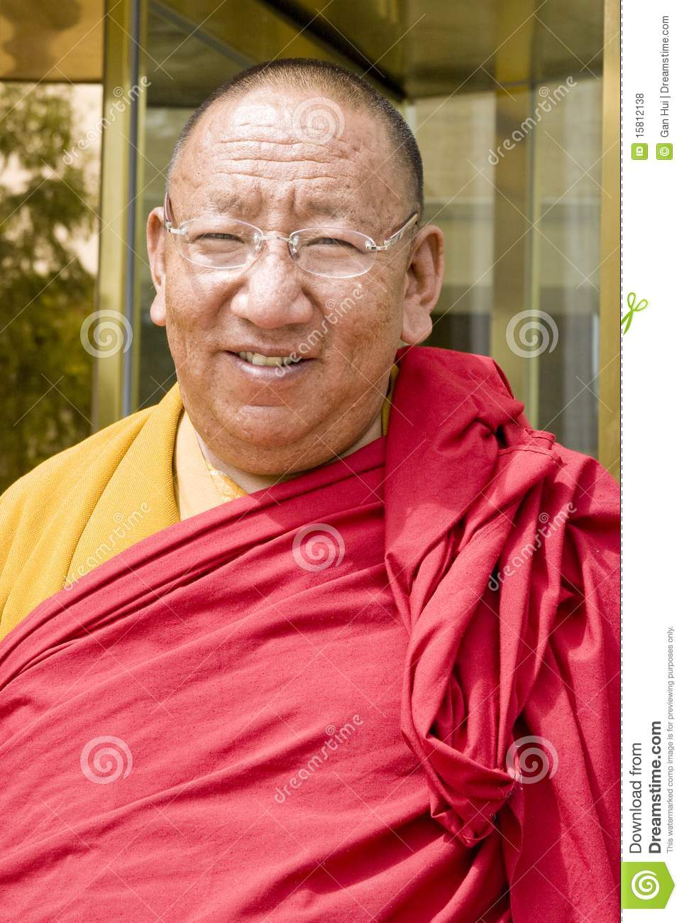 how to become a monk in tibet