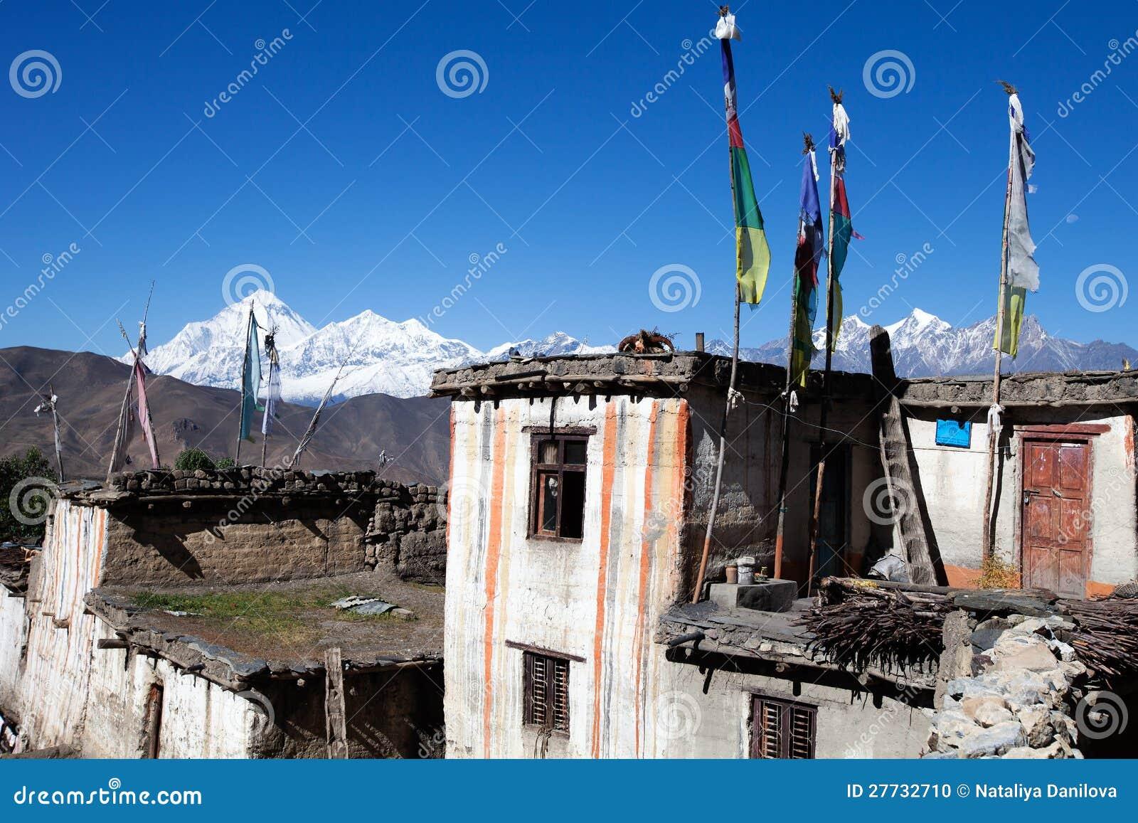 Tibetian Haus- und Schneeberge