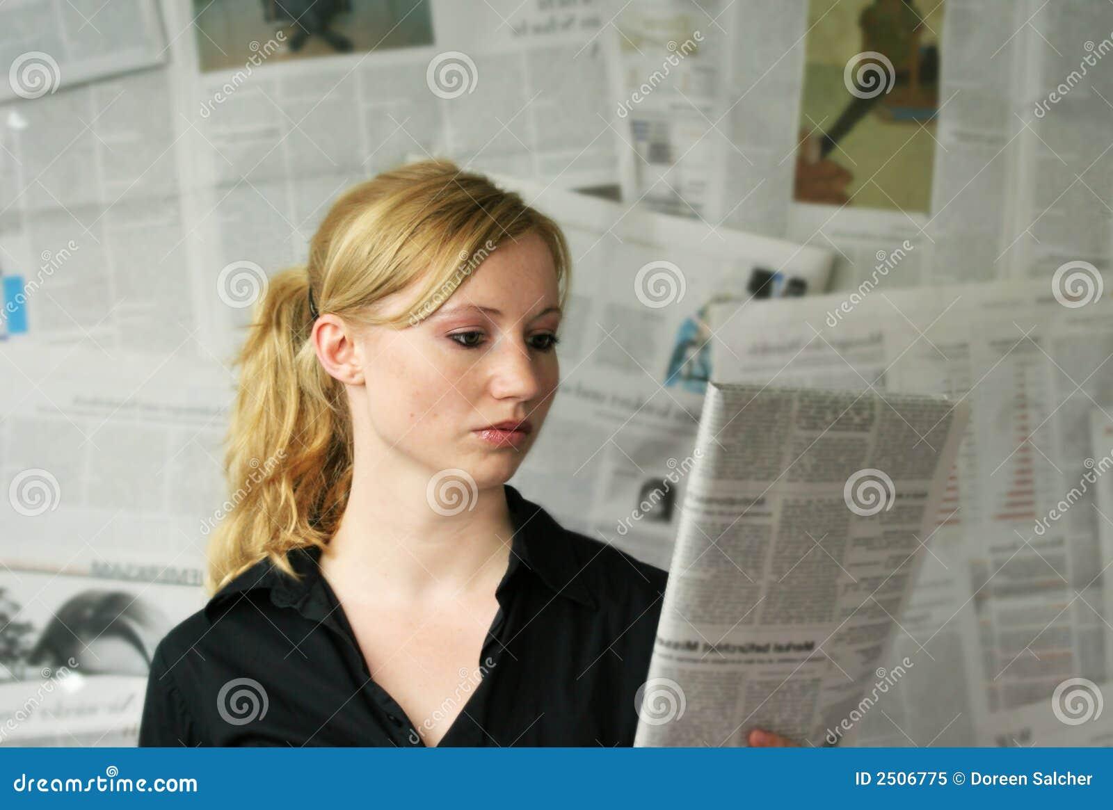 Tidningskvinna