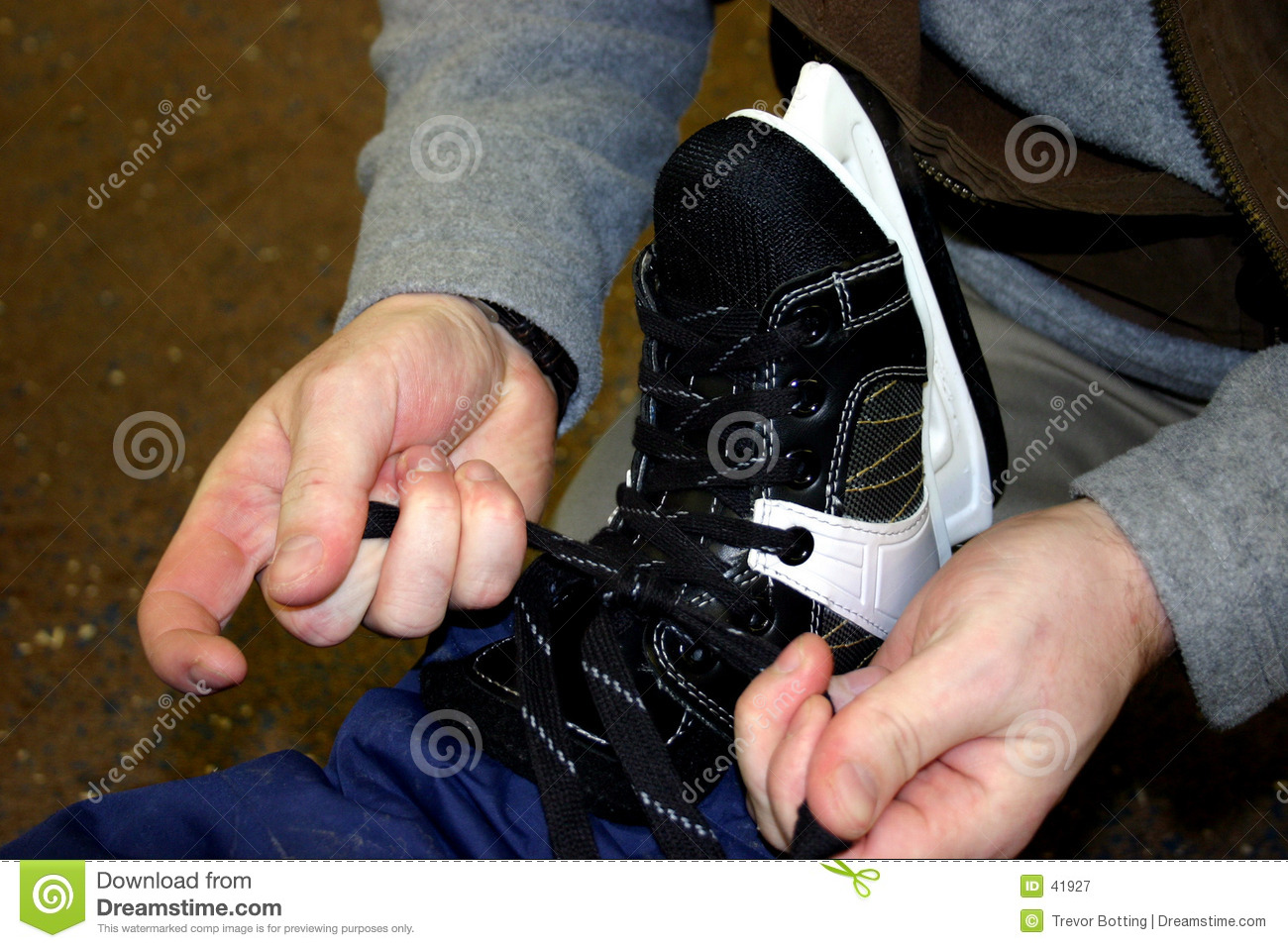 Tieing les patins