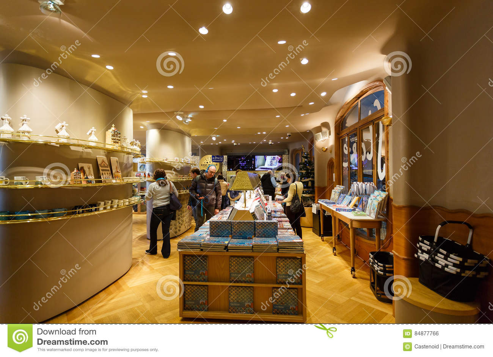 tienda de la casa batllo barcelona foto editorial