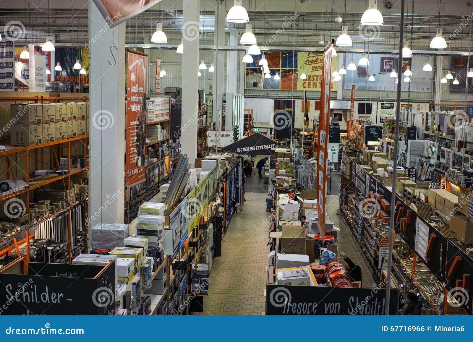 Tienda de los materiales de construcci n foto editorial - Materiales de construccion precios espana ...