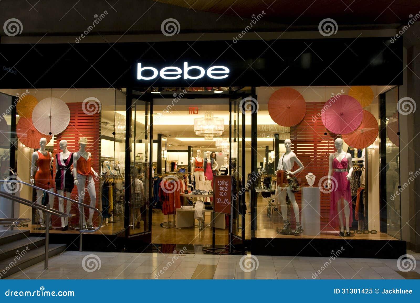 7c2724747 Forme la tienda con grandes diseños interiores en alameda del cuadrado de  Bellevue. Tienda de la moda de Bebe.