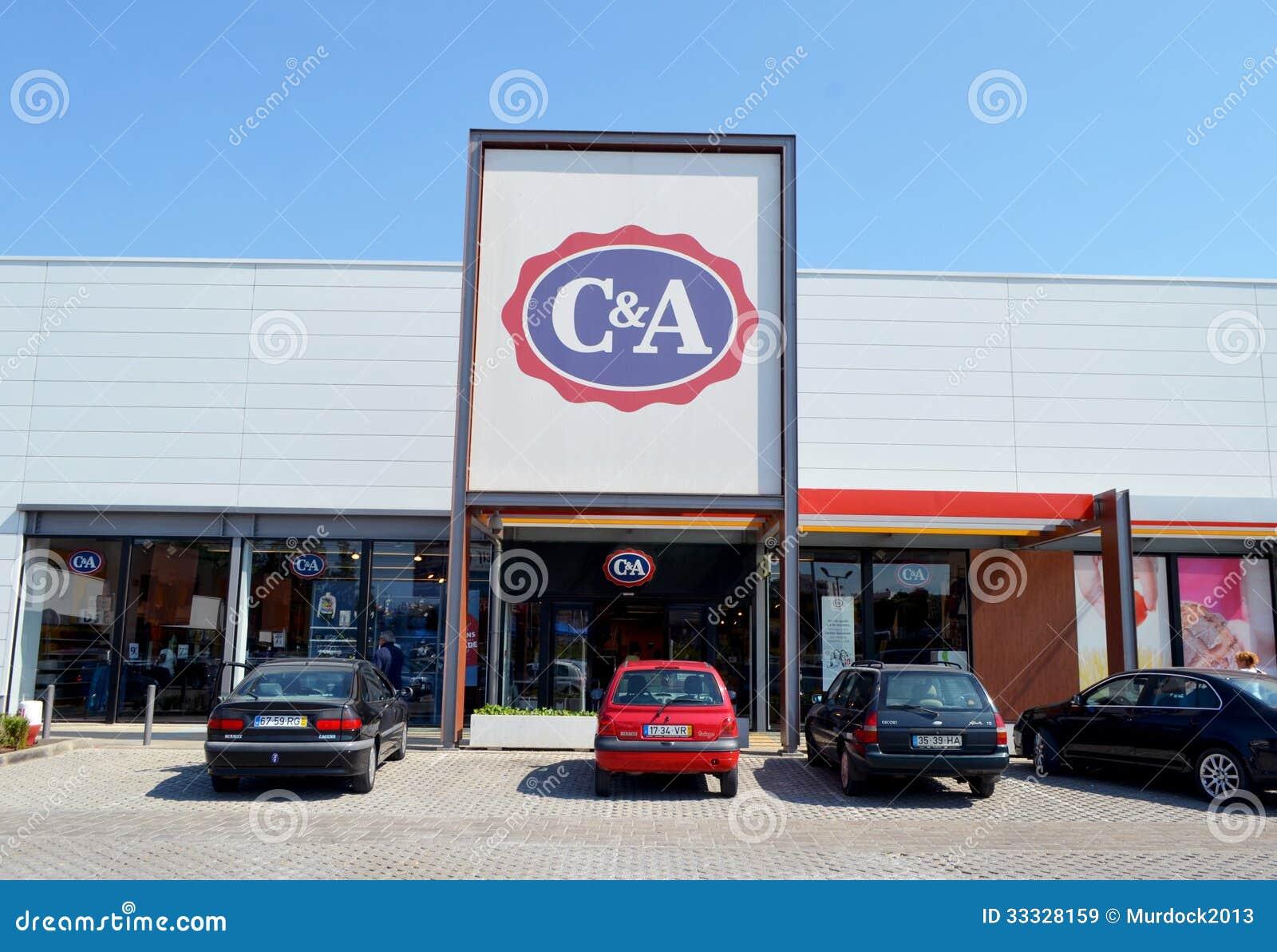sitio autorizado códigos de cupón Promoción de ventas Tienda de ropa de C&A imagen de archivo editorial. Imagen de ...