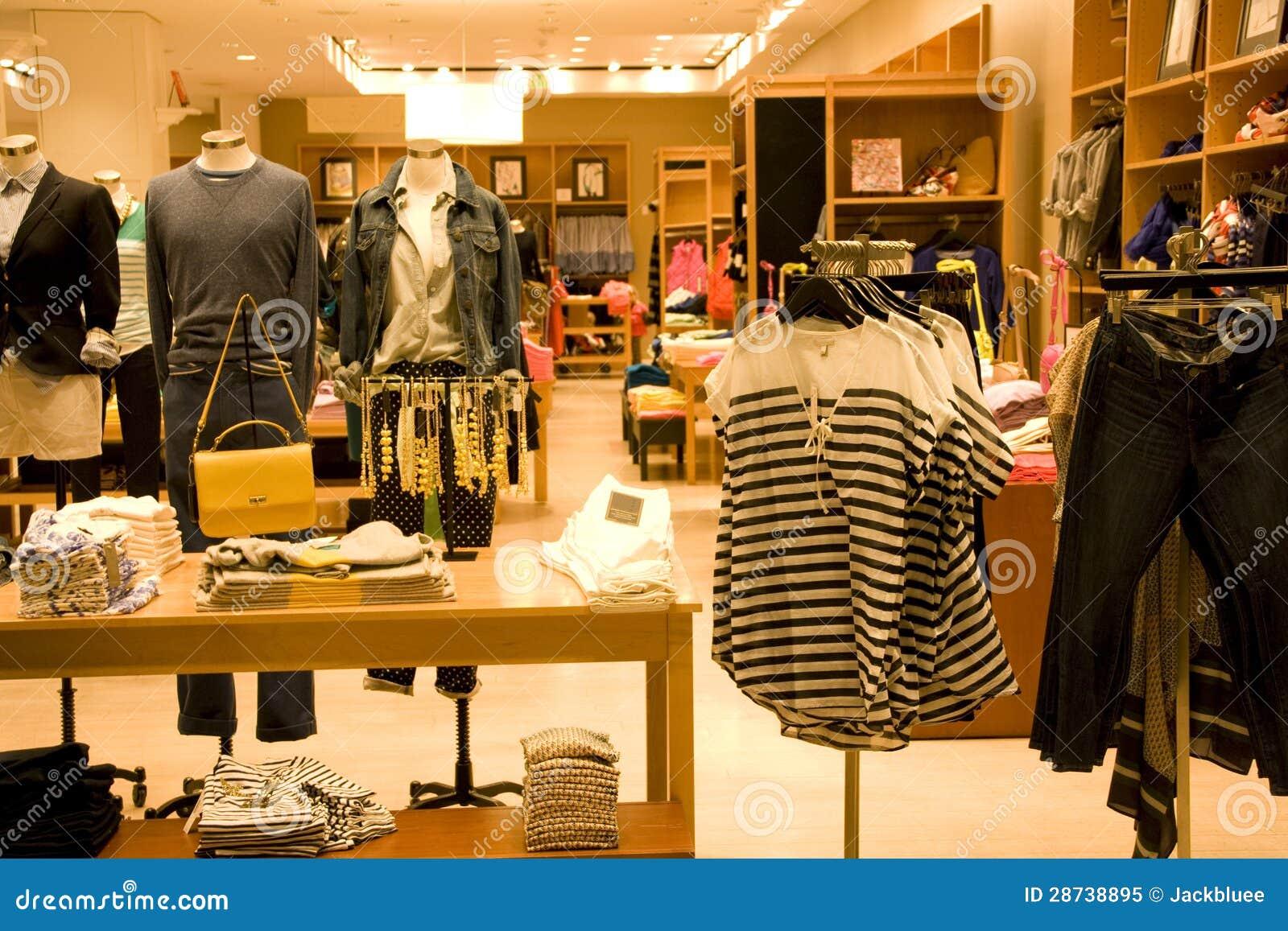 0a7ccc7e4 Tienda De Ropa Elegante Del Hombre Y De La Mujer Imagen de archivo ...