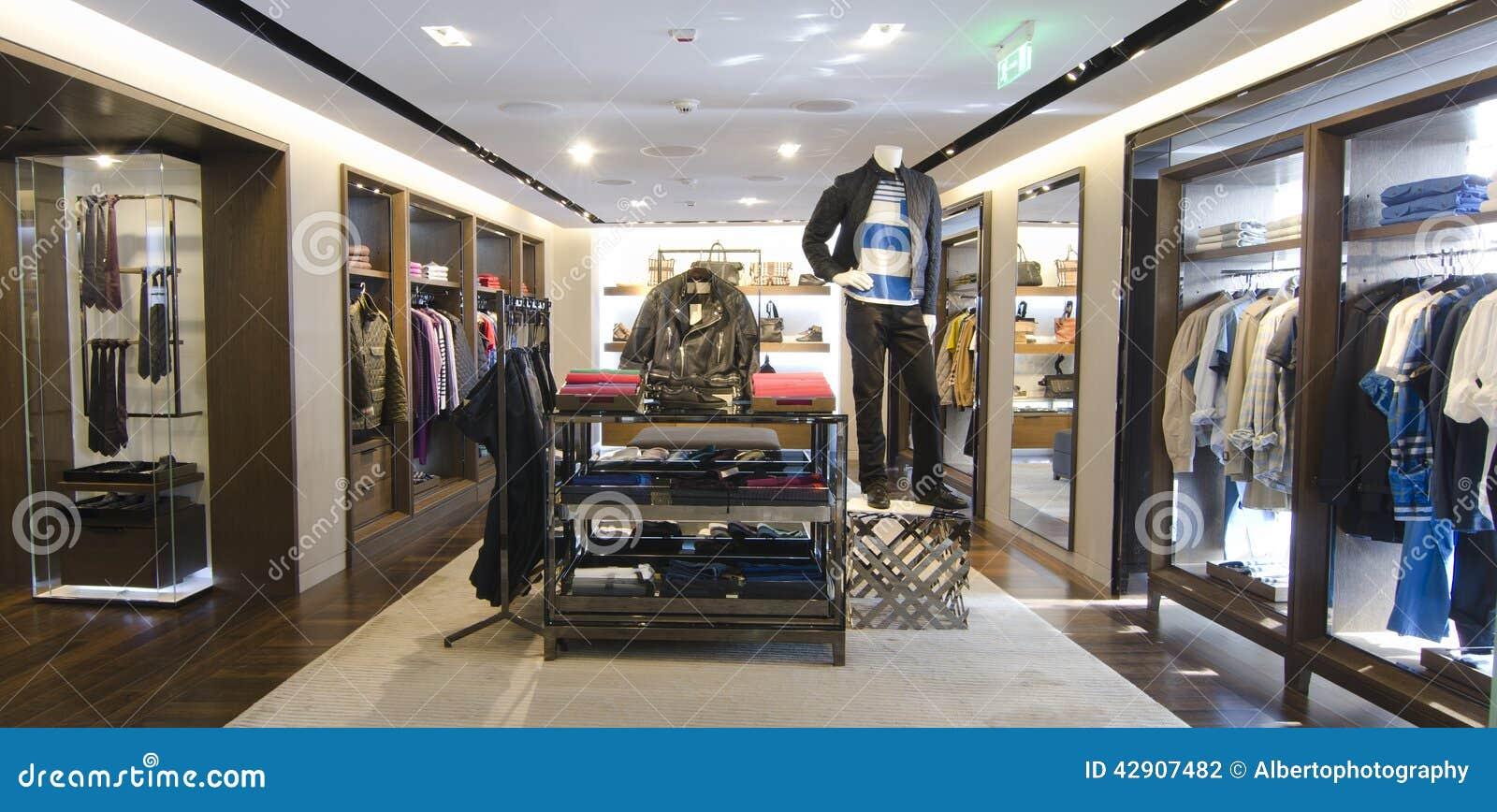 e58b927f5 Tienda de ropa para hombre foto de archivo. Imagen de consumidor ...