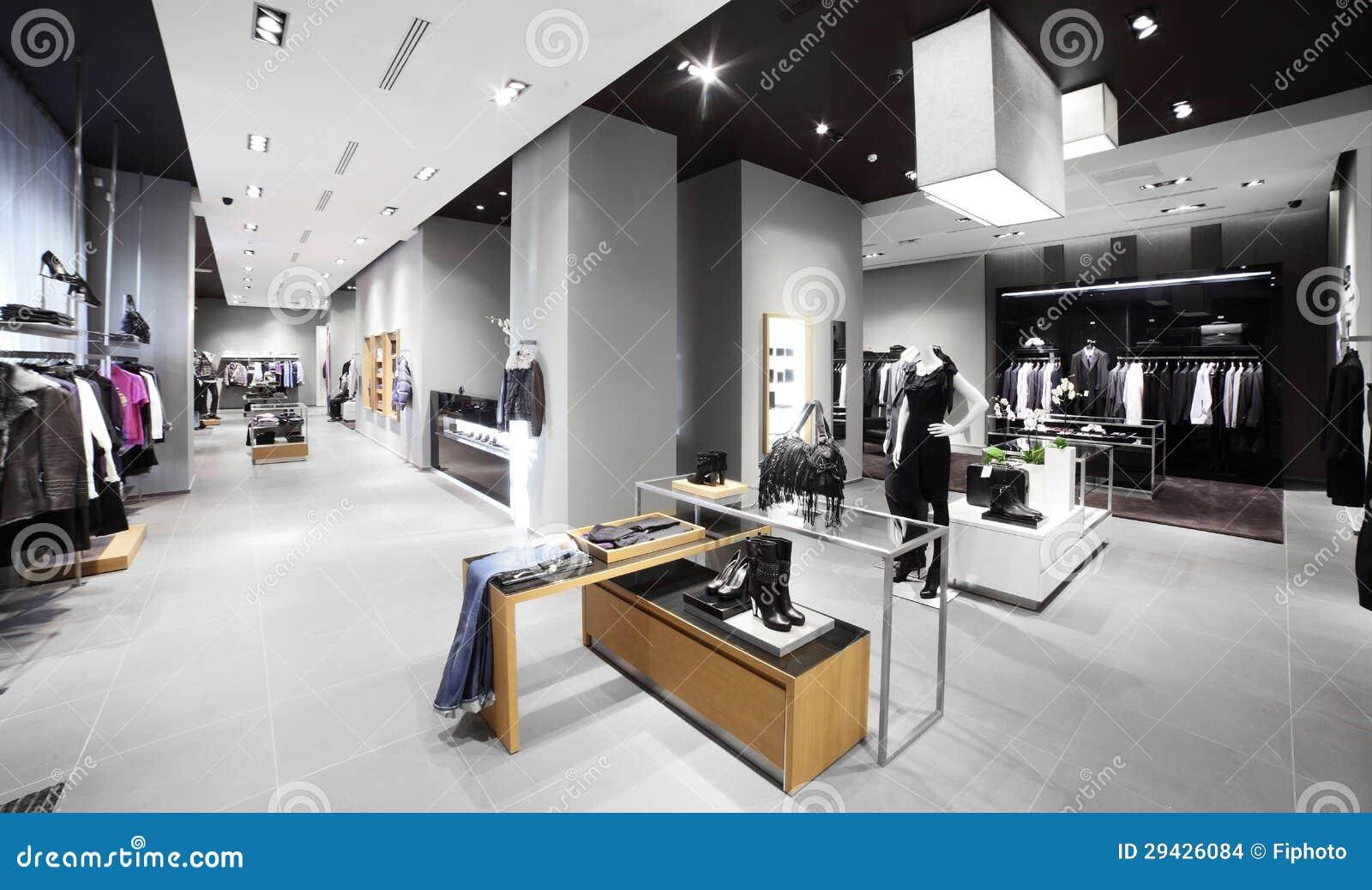 tienda moderna y de la moda de la ropa foto de archivo