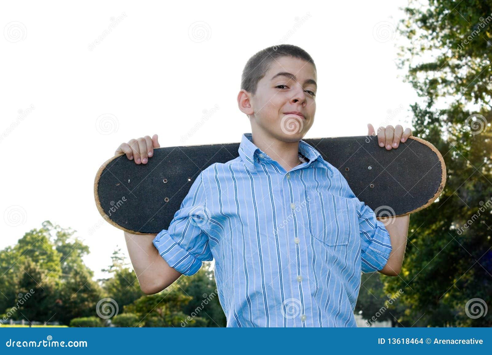 Tiener met Zijn Skateboard