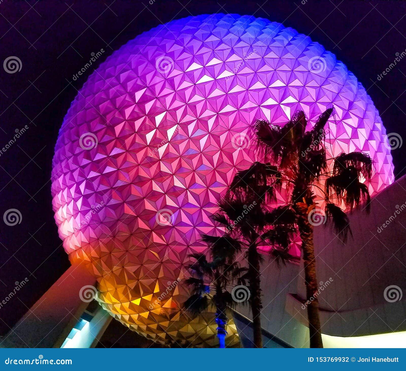 Tierra de la nave espacial de Walt Disney World