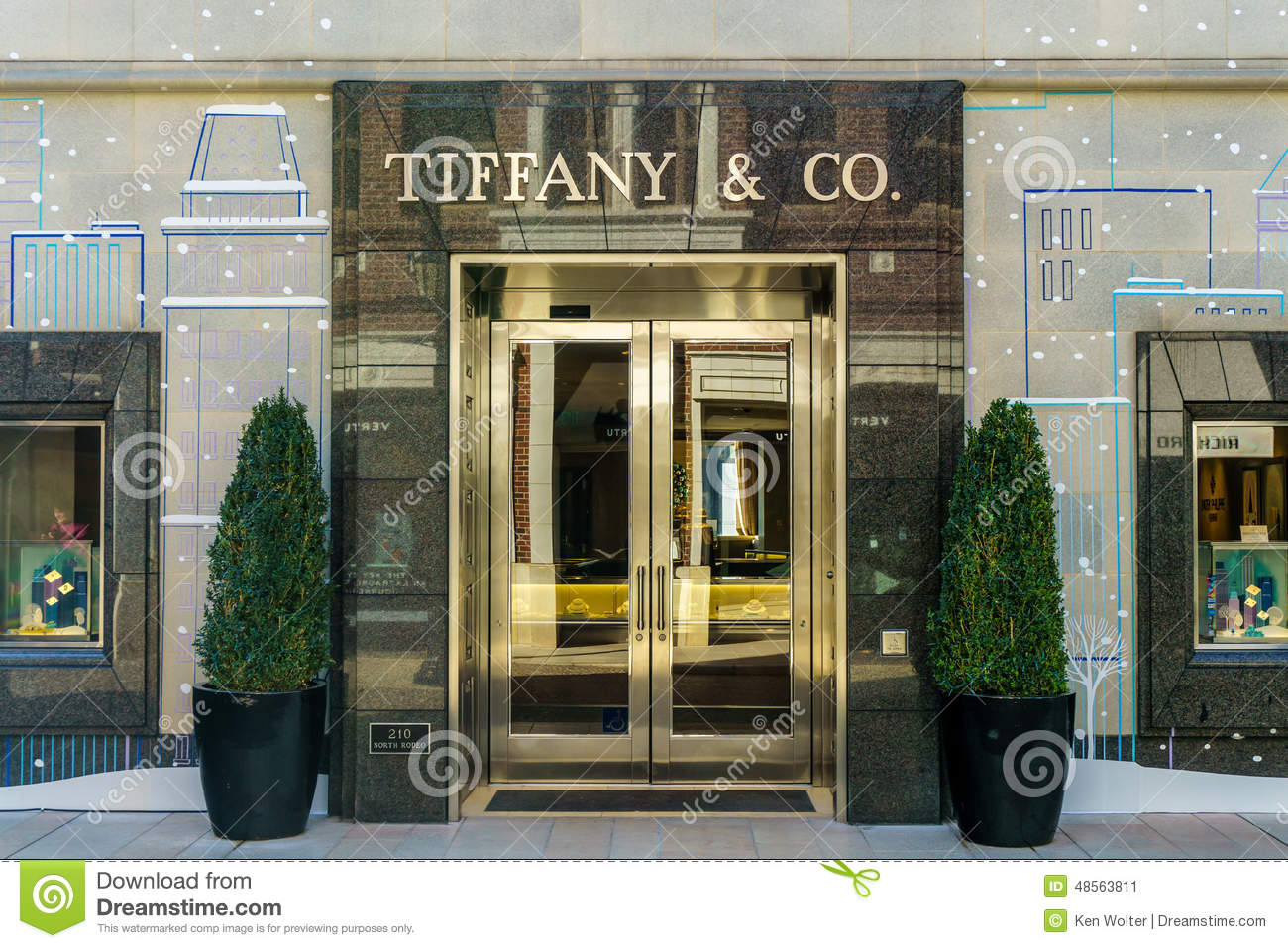 Tiffany company retail store exterior editorial photo for Retail shop exterior design