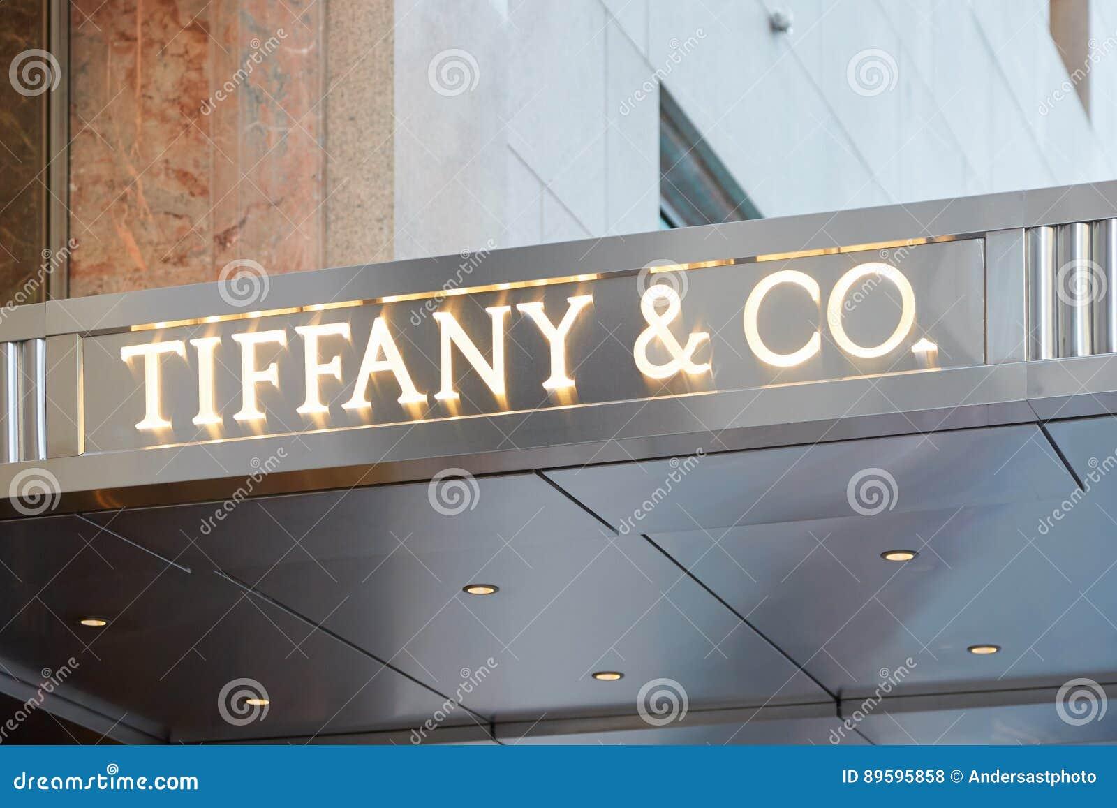 0c8f926b3ad8 NEW YORK - SEPTEMBER 12  Tiffany e Co. shop sign Fifth Ave illuminated on  September 12