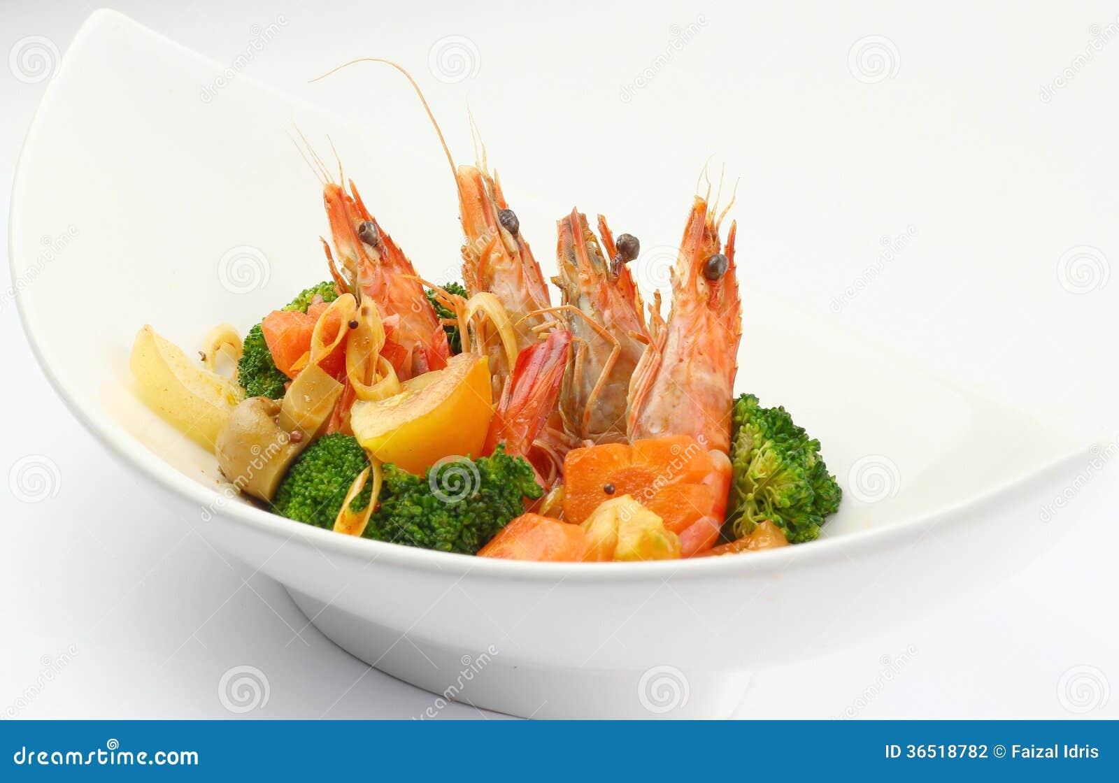 Tiger Prawns bouilli avec des légumes