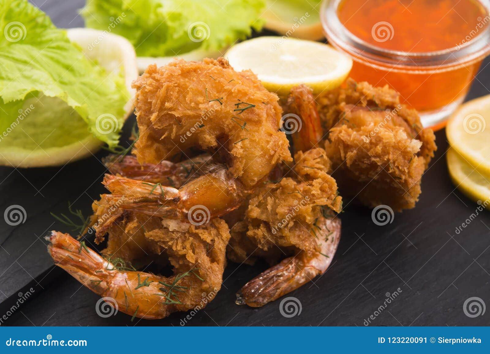 Tiger shrimp fried in Tempura with vegetables