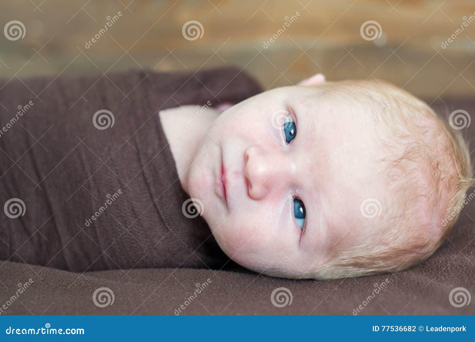 Tijdelijk pasgeboren scheelzien