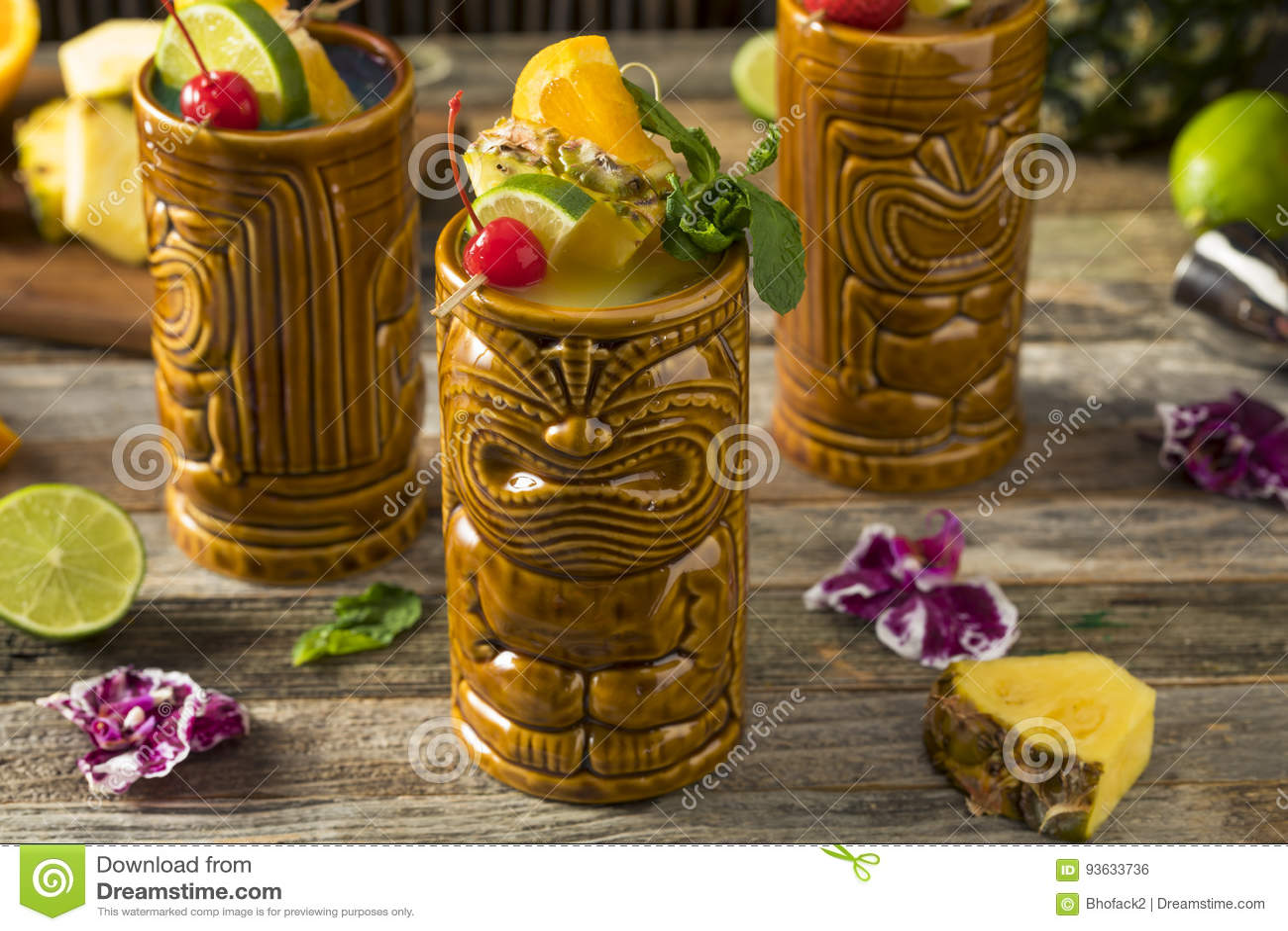 Tiki Drink Cocktails frio de refrescamento