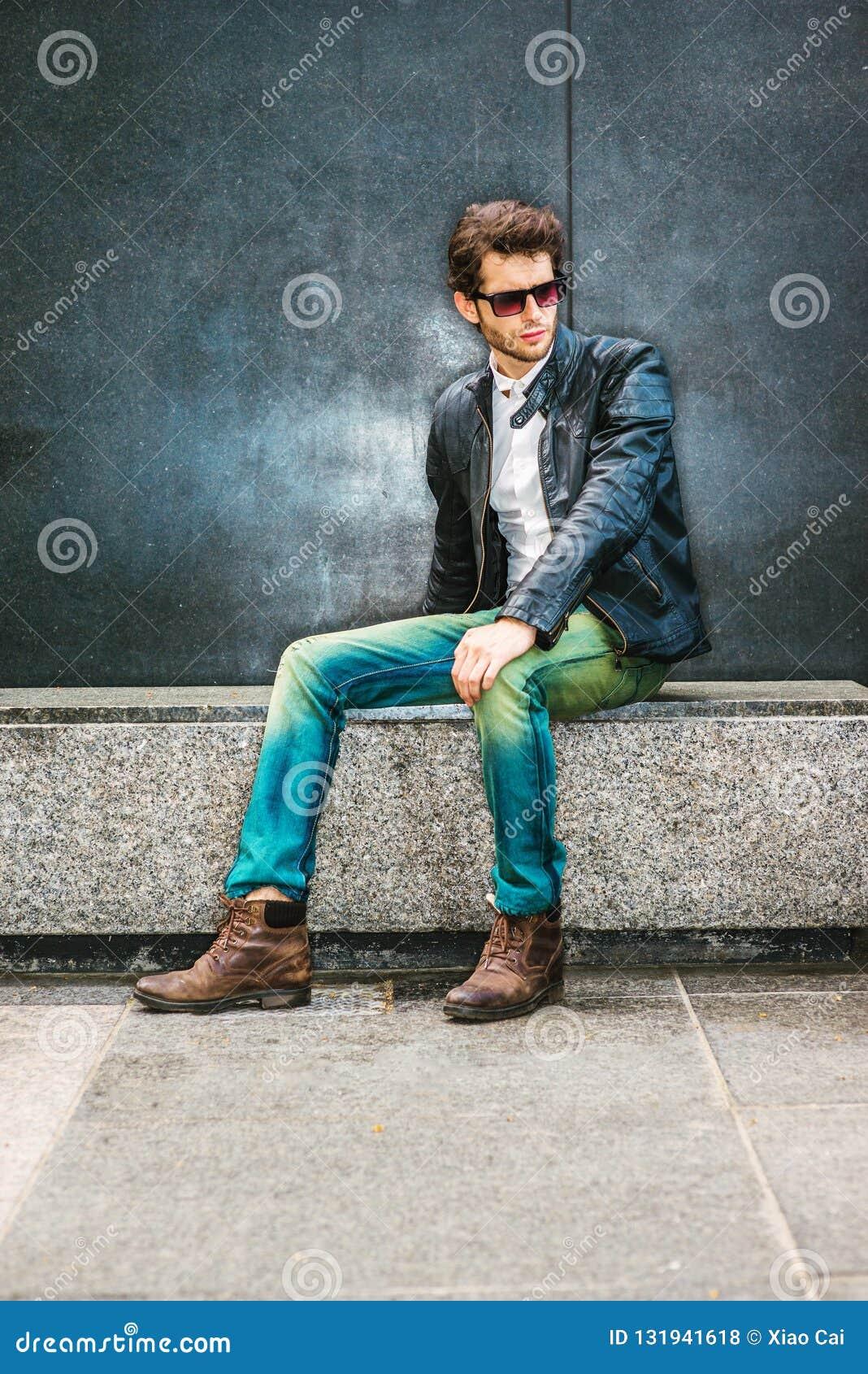 Tillfälligt mode för ung man i New York