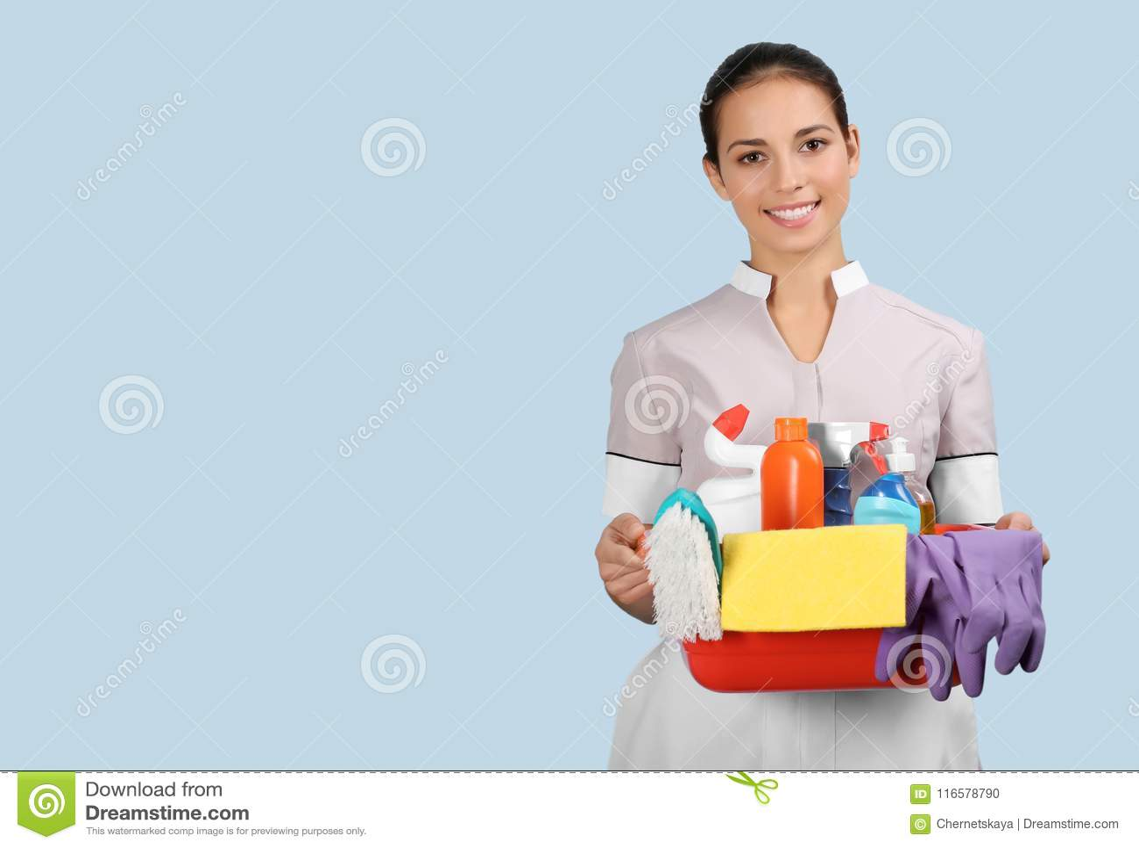 Tillförsel för lokalvård för kvinnlig städerska för hotell hållande