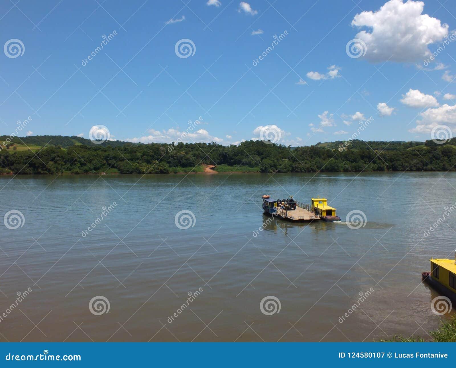 Tillståndsgräns, i söderna av Brasilien korsa den Uruguay floden