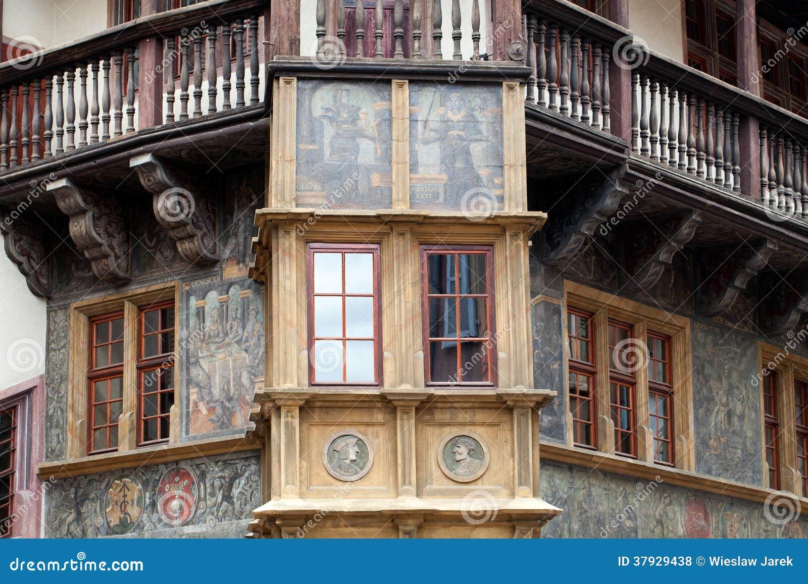 Половина timbered дома Кольмара