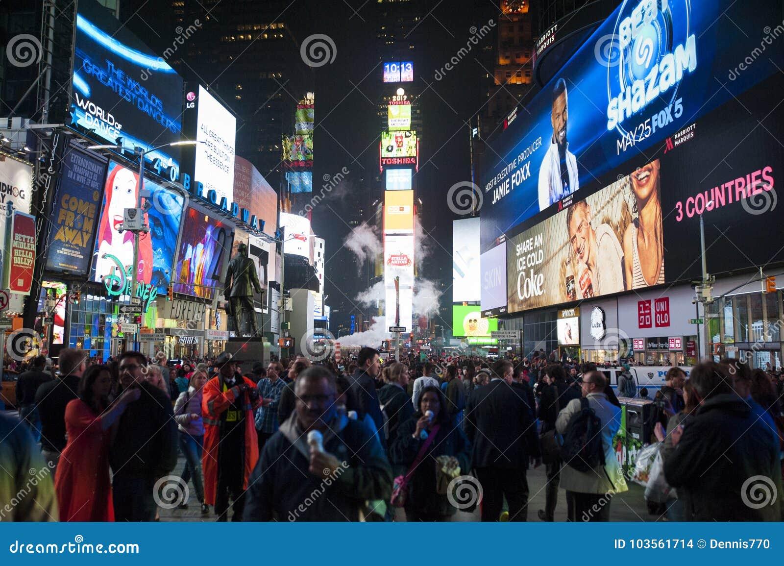 Times Square bij nacht