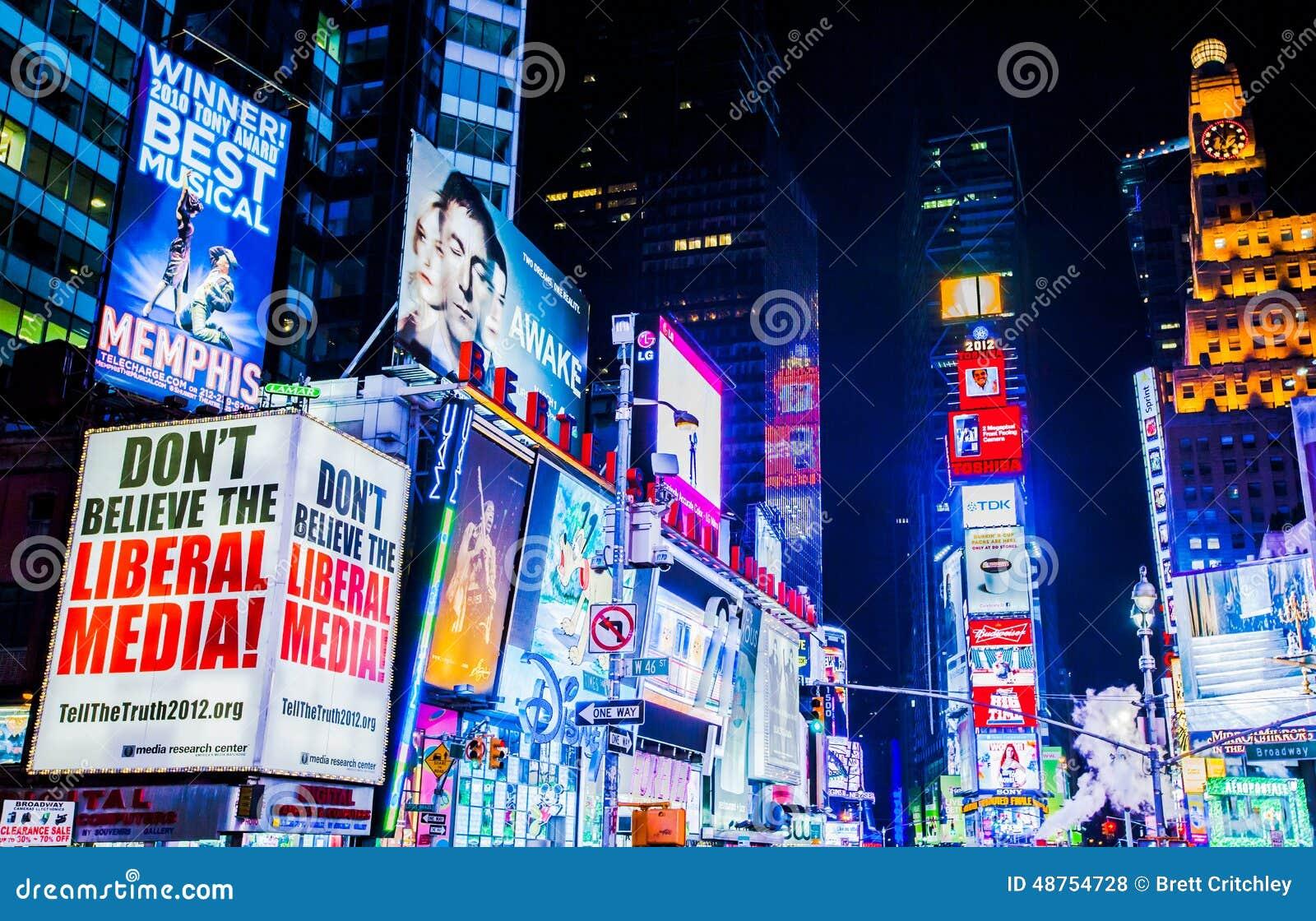Times Square en la noche