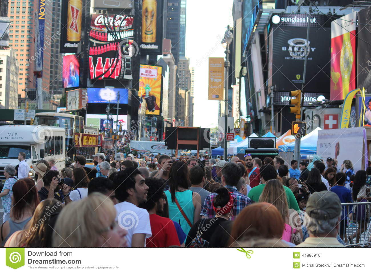times square shopping crowd new york city usa editorial. Black Bedroom Furniture Sets. Home Design Ideas