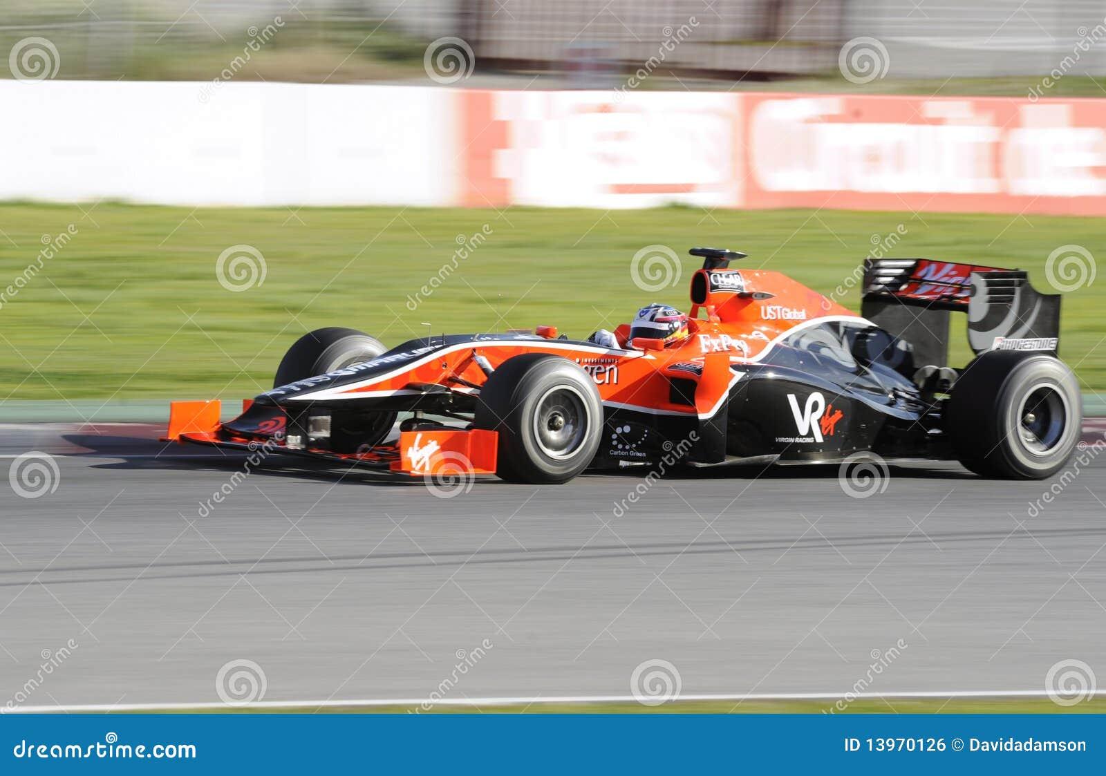 Timo Glock pilotant pour la Vierge emballant l équipe