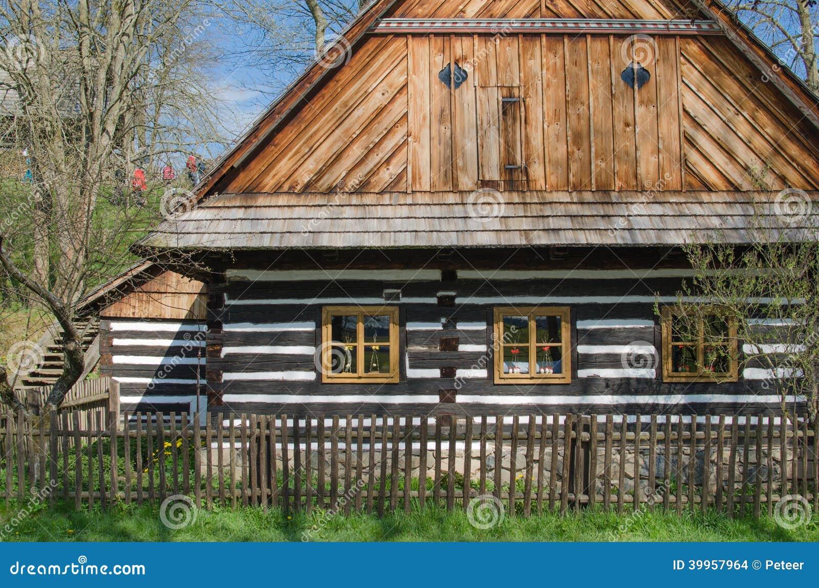 timrad stuga arkivfoto. bild av bygger, skymning, dramatiskt - 39957964
