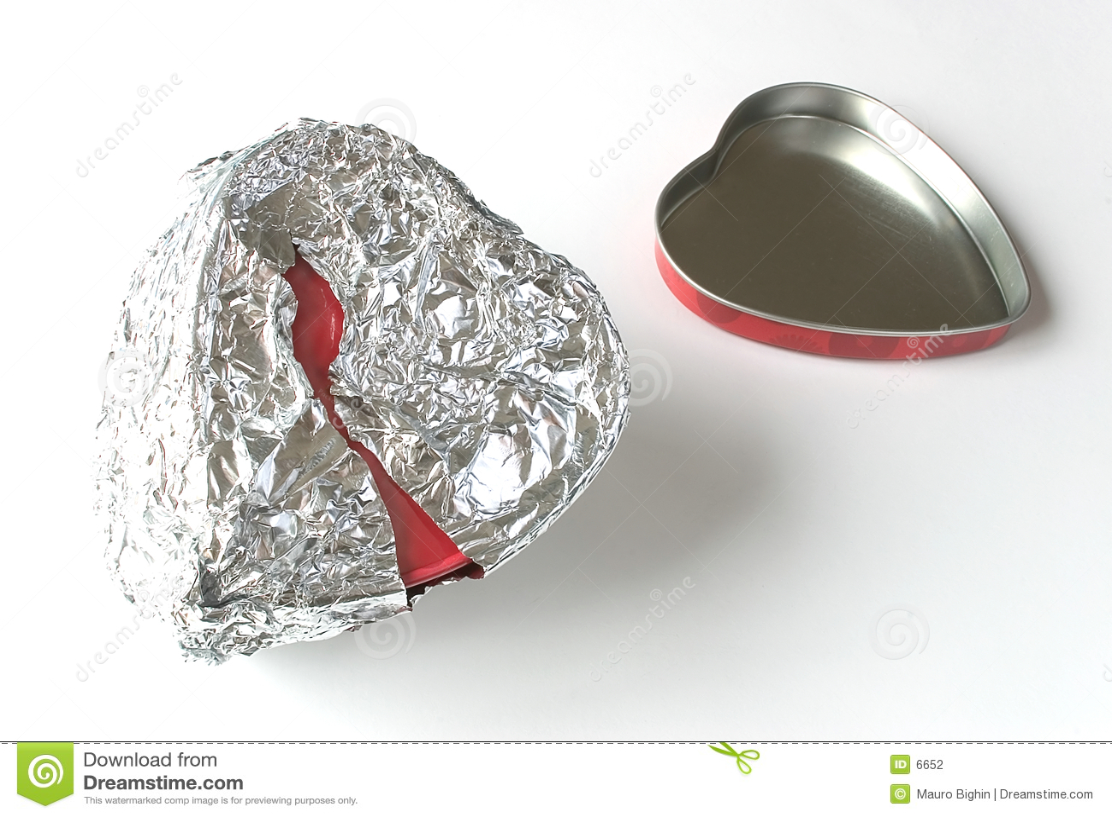 Tin foil heart can