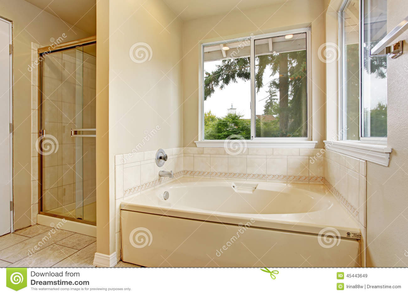 Tinas De Baño Con Ducha:Bathroom Windows Over Tubs with Shower