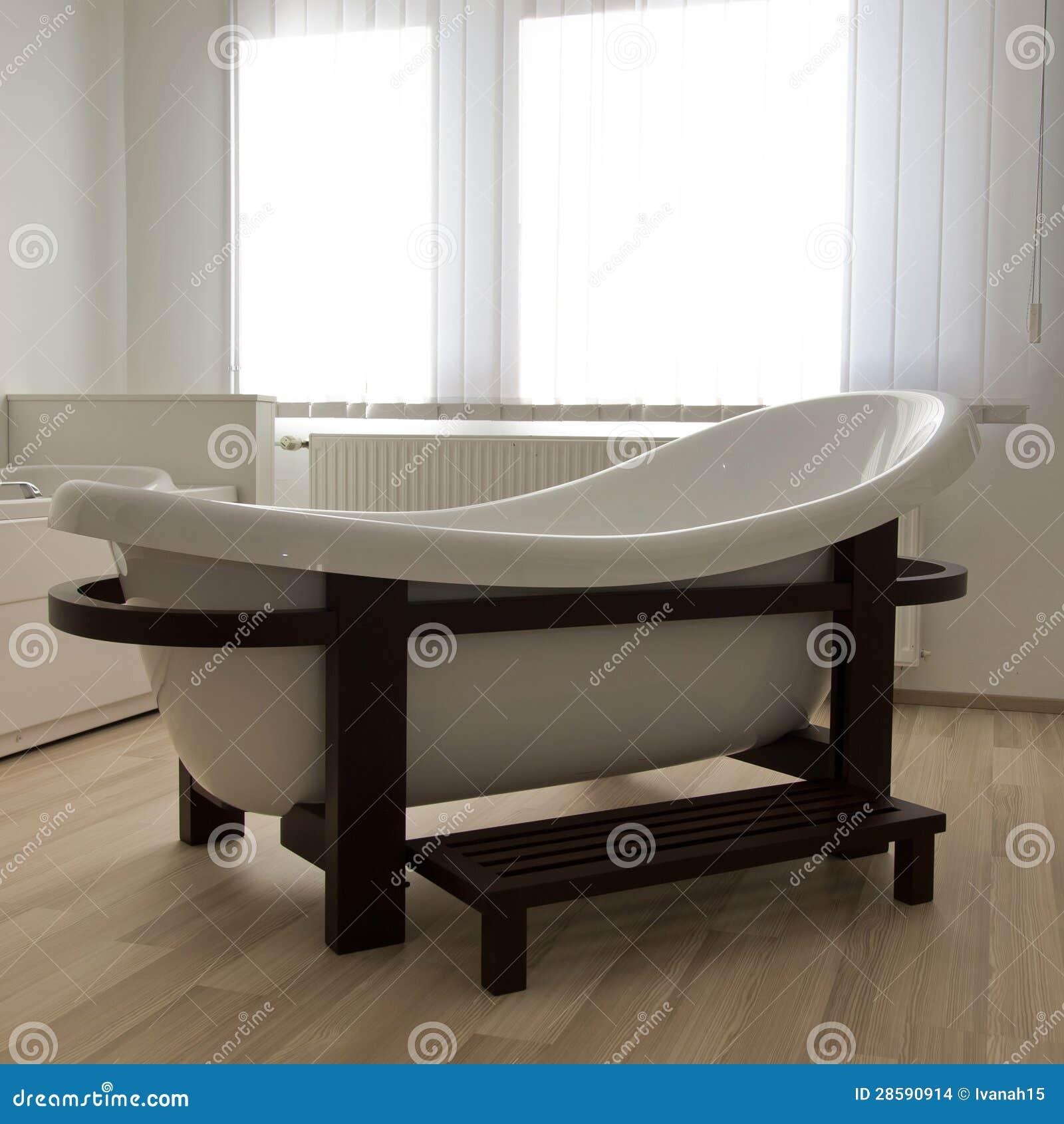 Diseno De Baño Con Tina:Imagenes de archivo: Tina de baño del balneario del diseño moderno