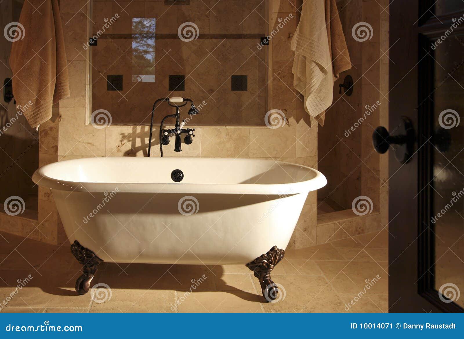 Tina retra del cuarto de baño de Clawfoot