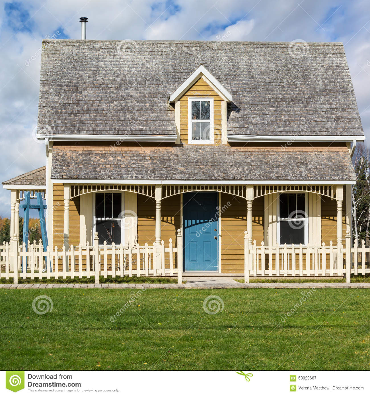 Tiny House Stock Photo Image 63029667