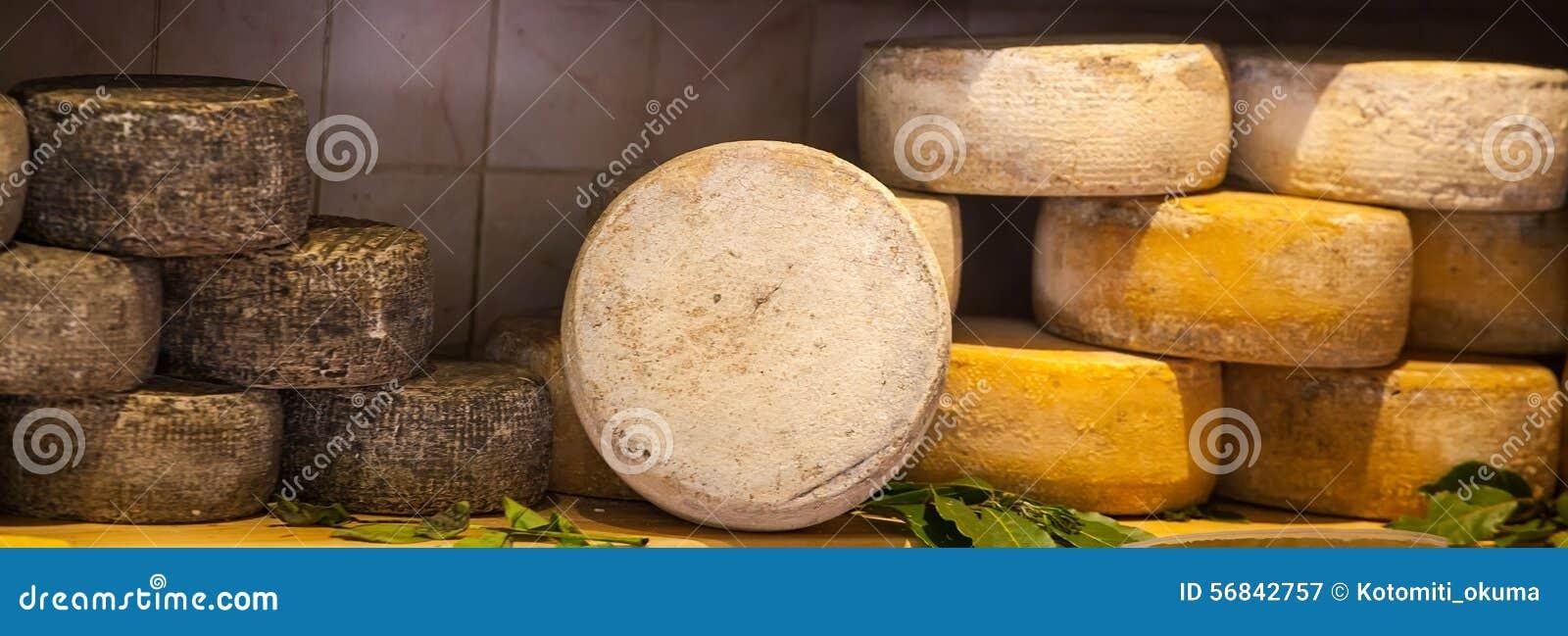 Tipi differenti di formaggi