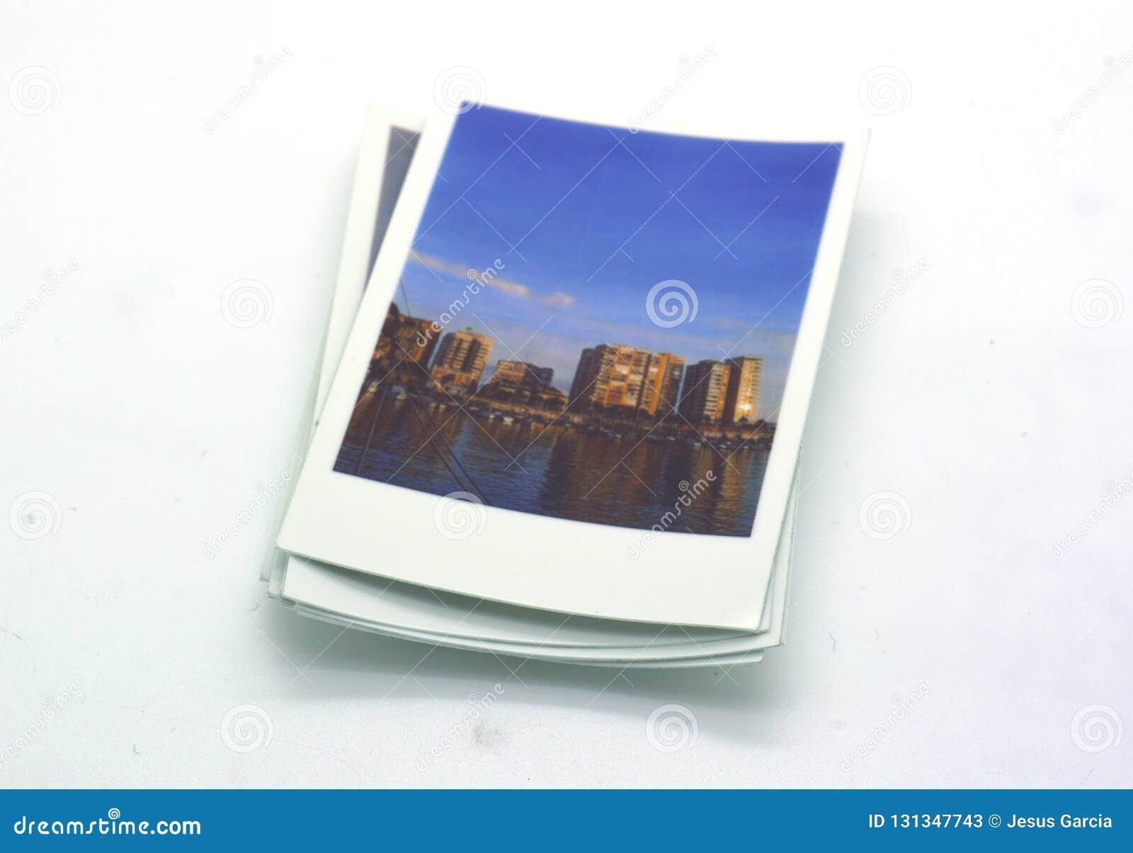 Tipo imediato do Polaroid das fotografias