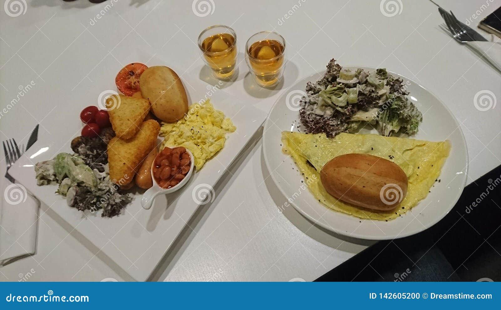 2 tipos de desayunos pesados