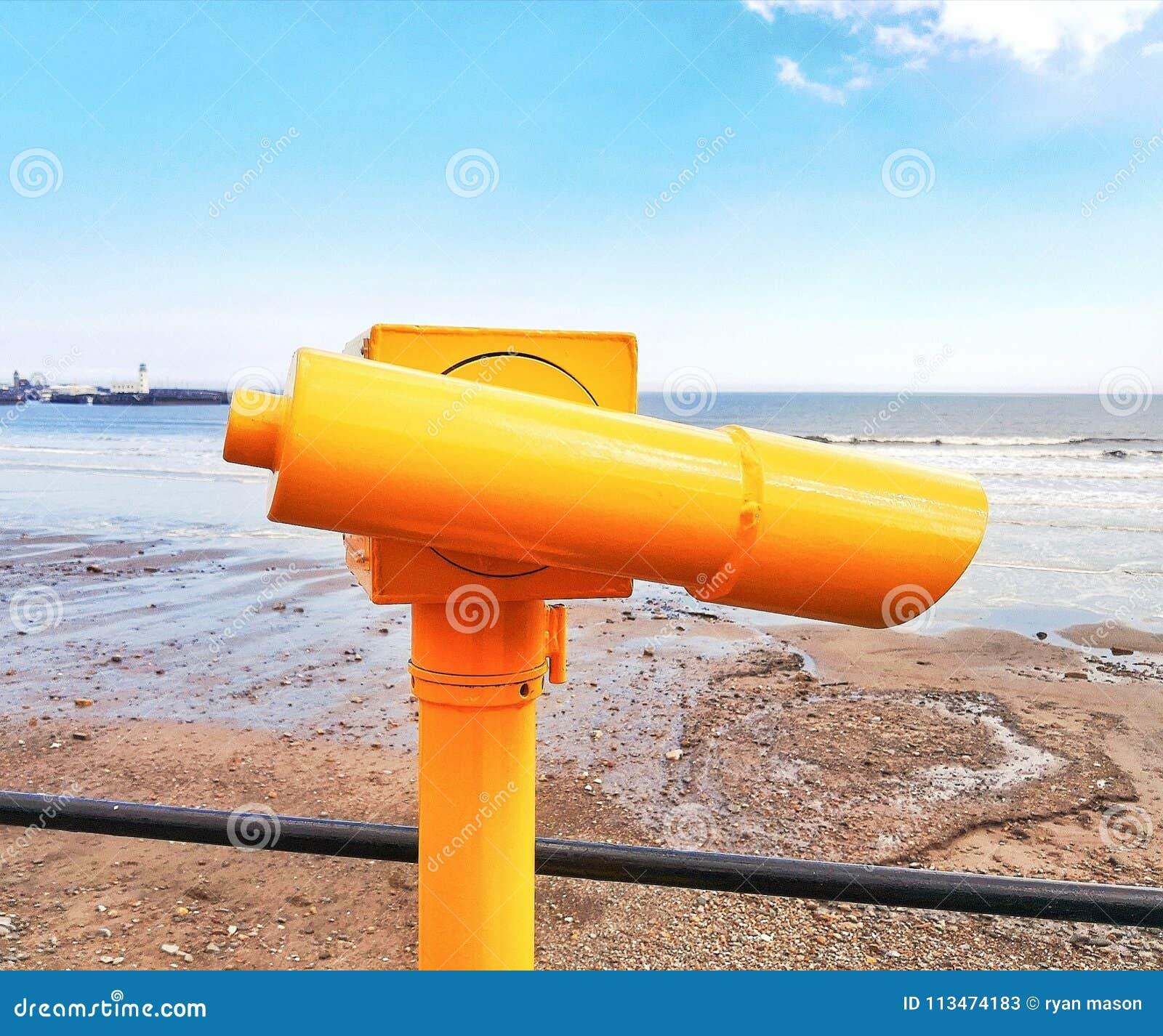 Tirado del visor en la bahía del sur de la playa de Scarborough
