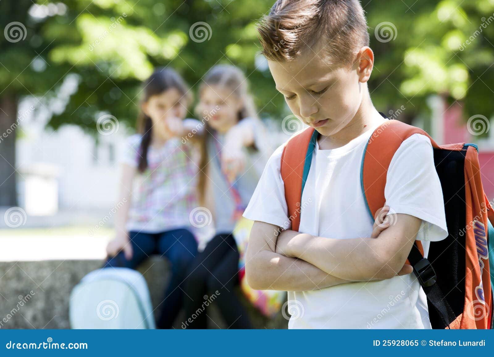 Tiranizar após a escola