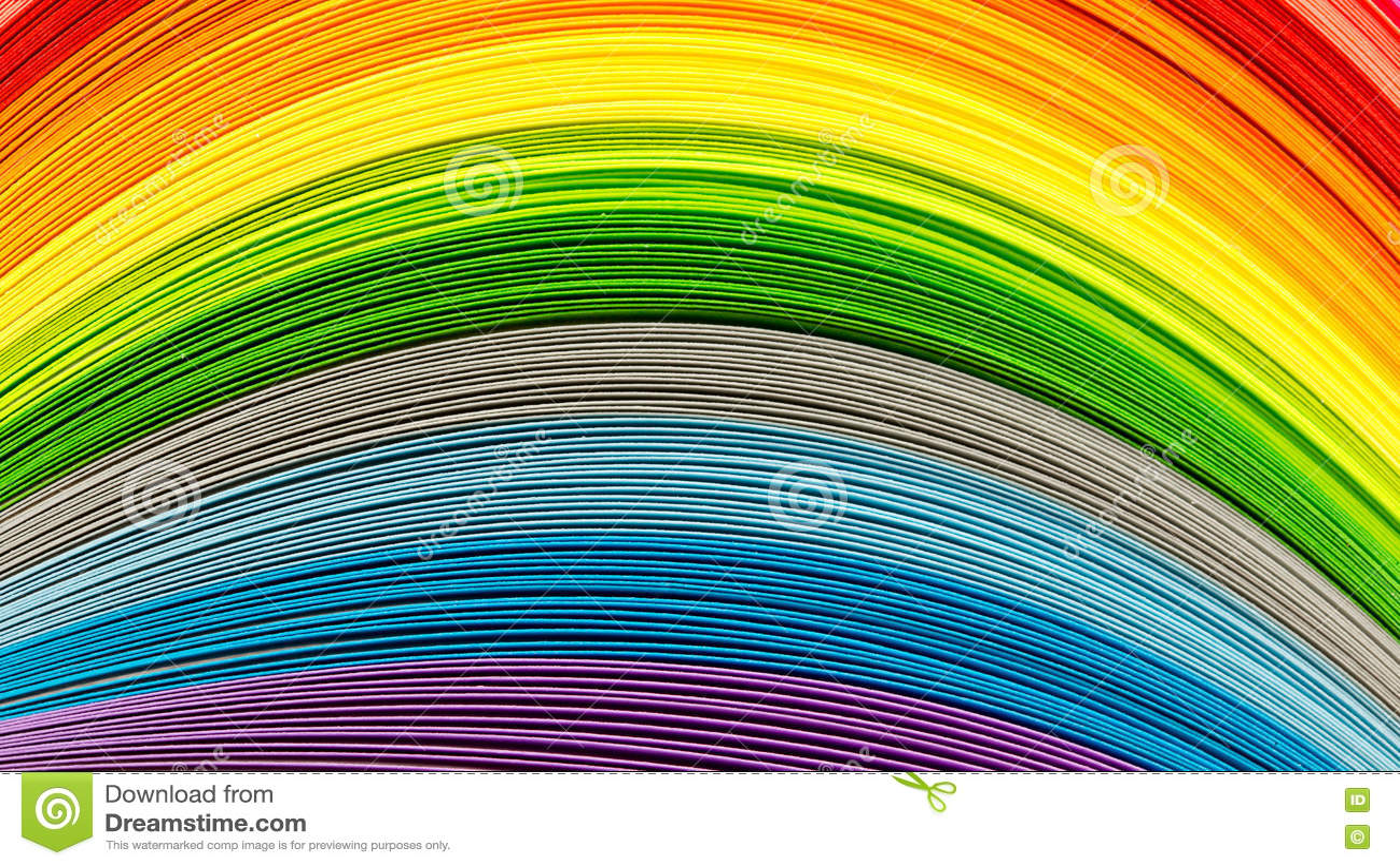 Tiras de papel en colores del arco iris