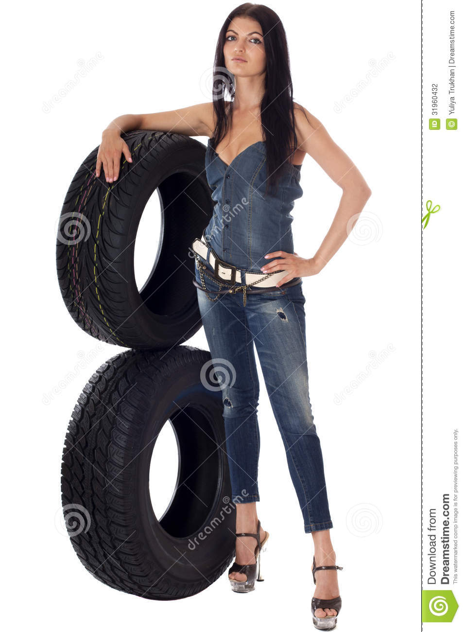 tyres women How wide are your tyres it's likely you're riding whatever width tyres your bike was sold with, and the type of bike you're riding largely defines tyre width.