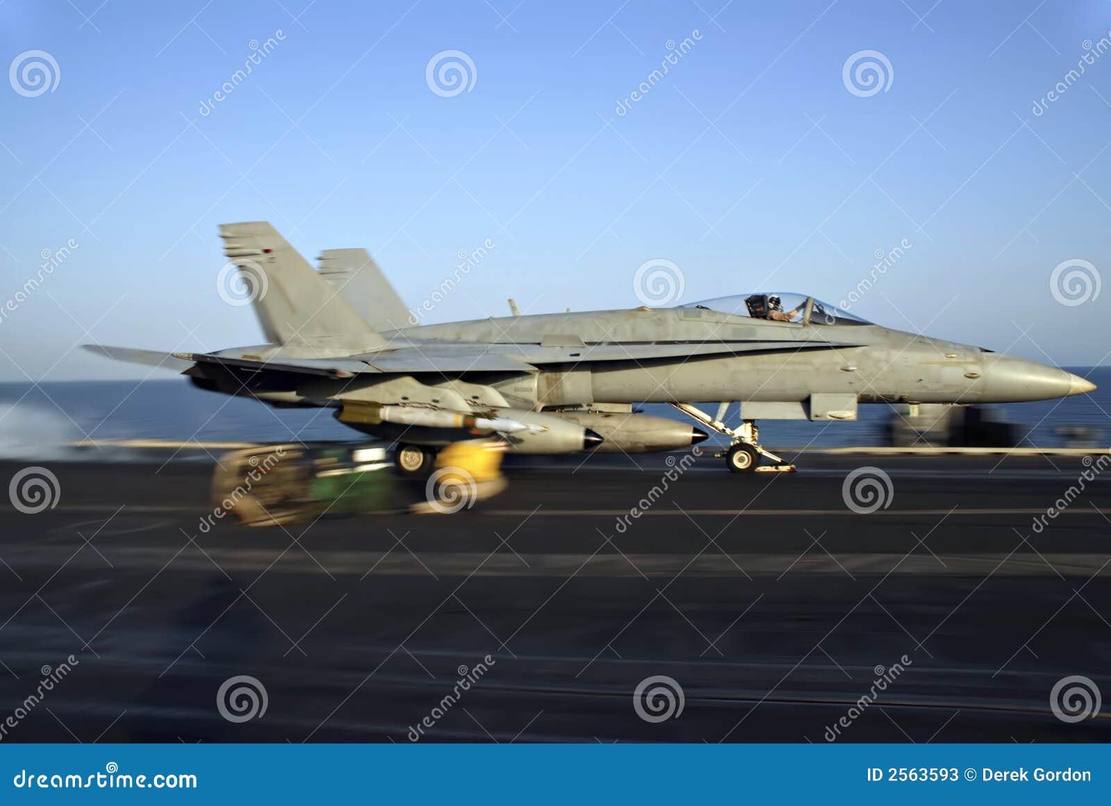 Tiro da catapulta do zangão F-18