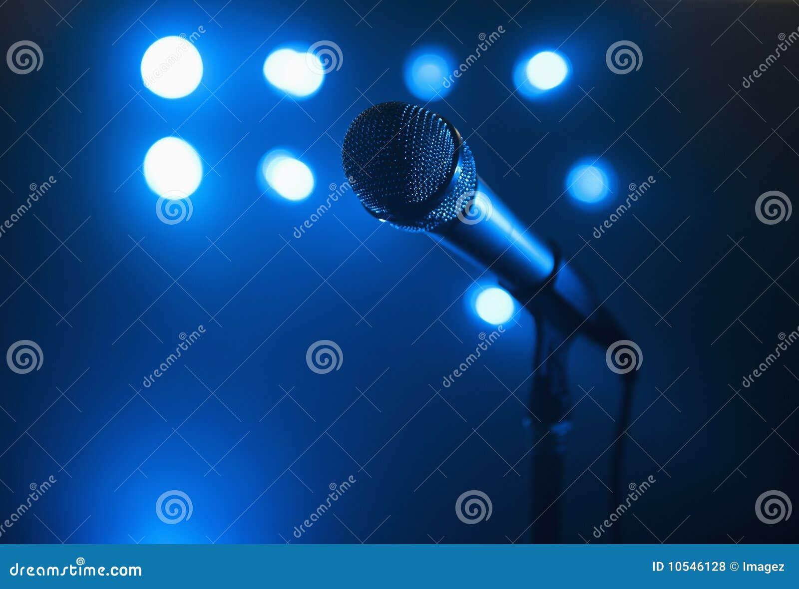 Tiro del micrófono del primer