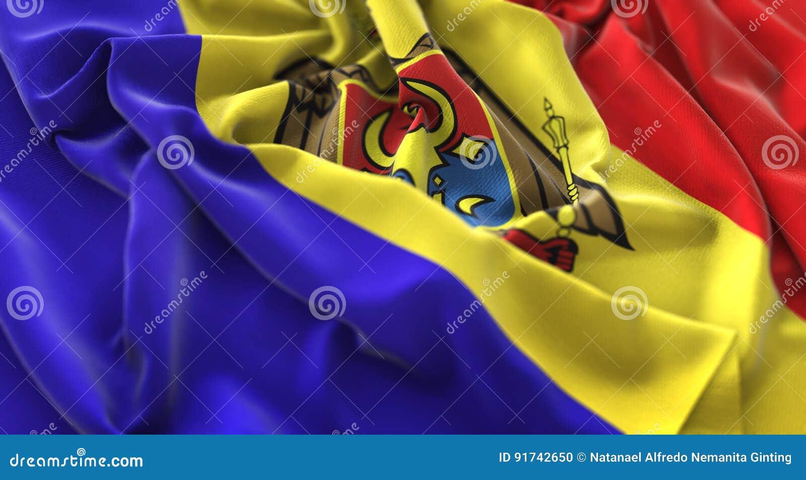 Tiro macro belamente de ondulação enrugado do close-up da bandeira de Moldova