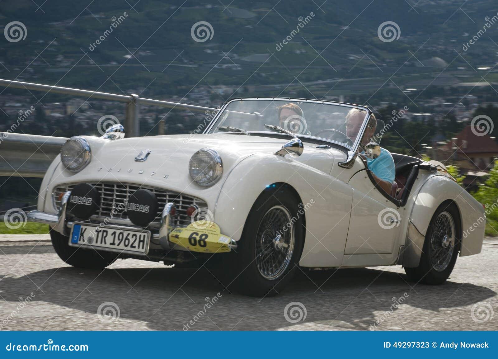 Tirol sul cars_2014_Triumph clássico TR 3 B
