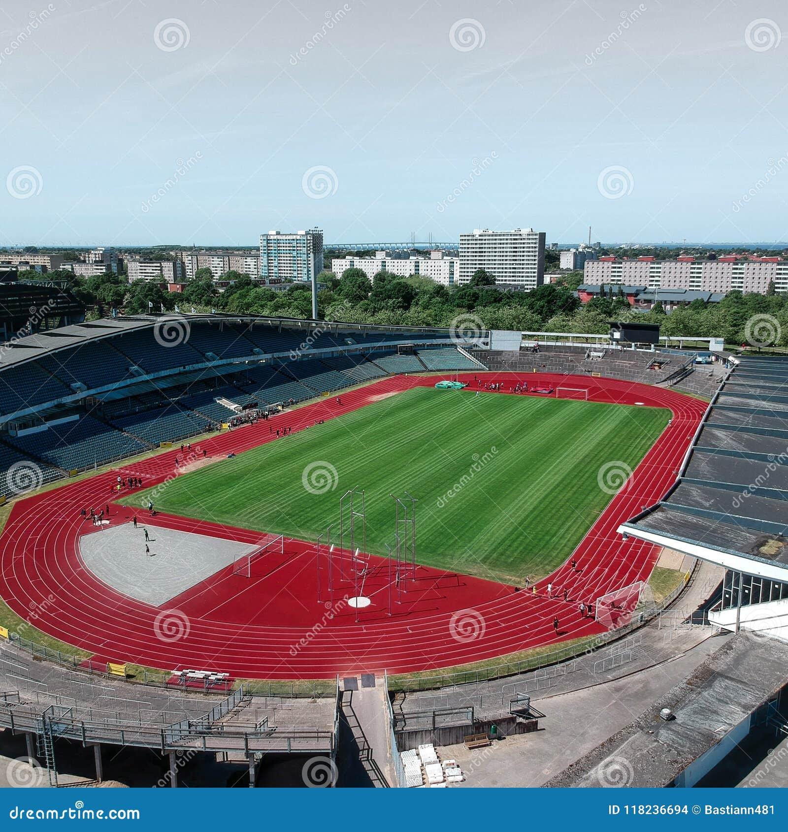 Tiros da antena no estádio atlético em Malmö